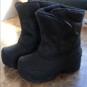 Other - 7c snow boots